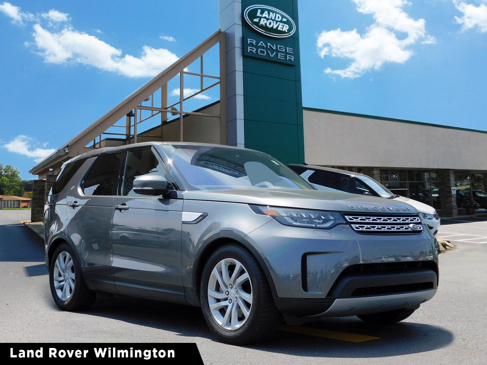 Certified Pre-Owned 2018 Land Rover Discovery HSE Four Wheel Drive 4 Door